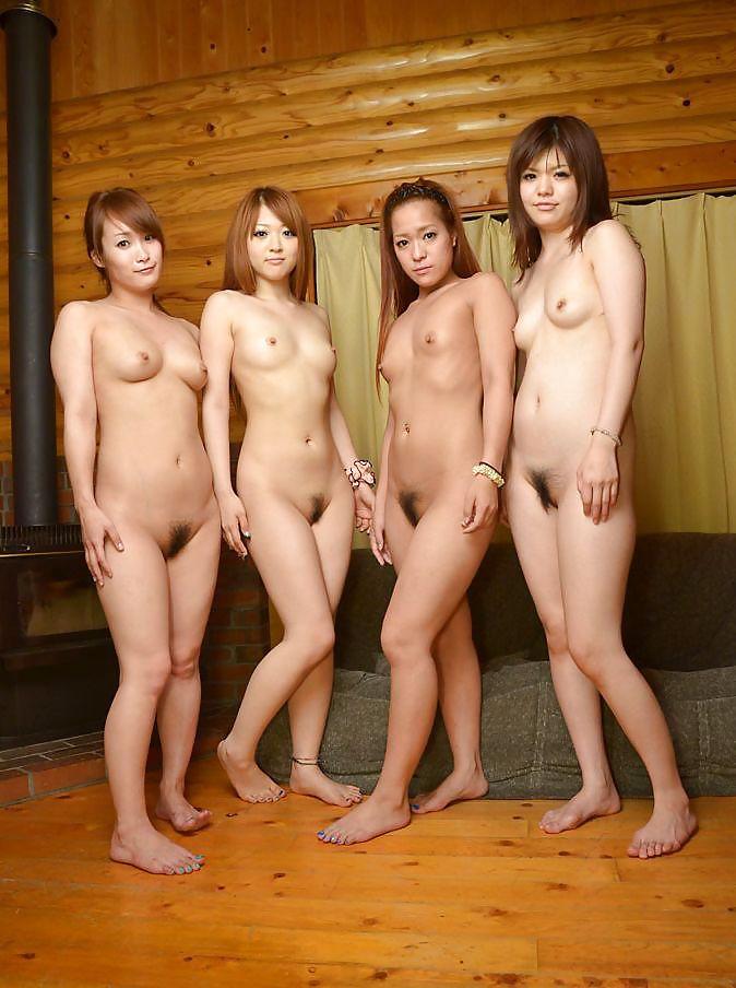 boys finger in girls naked butt